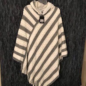NWT White Mark knit poncho